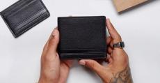 Porte cartes Boss Parfums offert sur simple visite 0 (0)